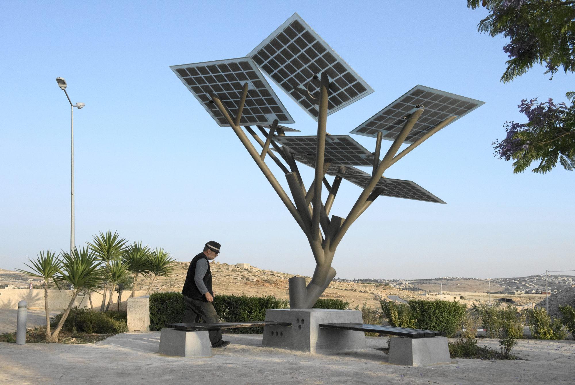 solar tree zijaanzicht