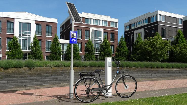 Fiets laadpunt op zonne-energie