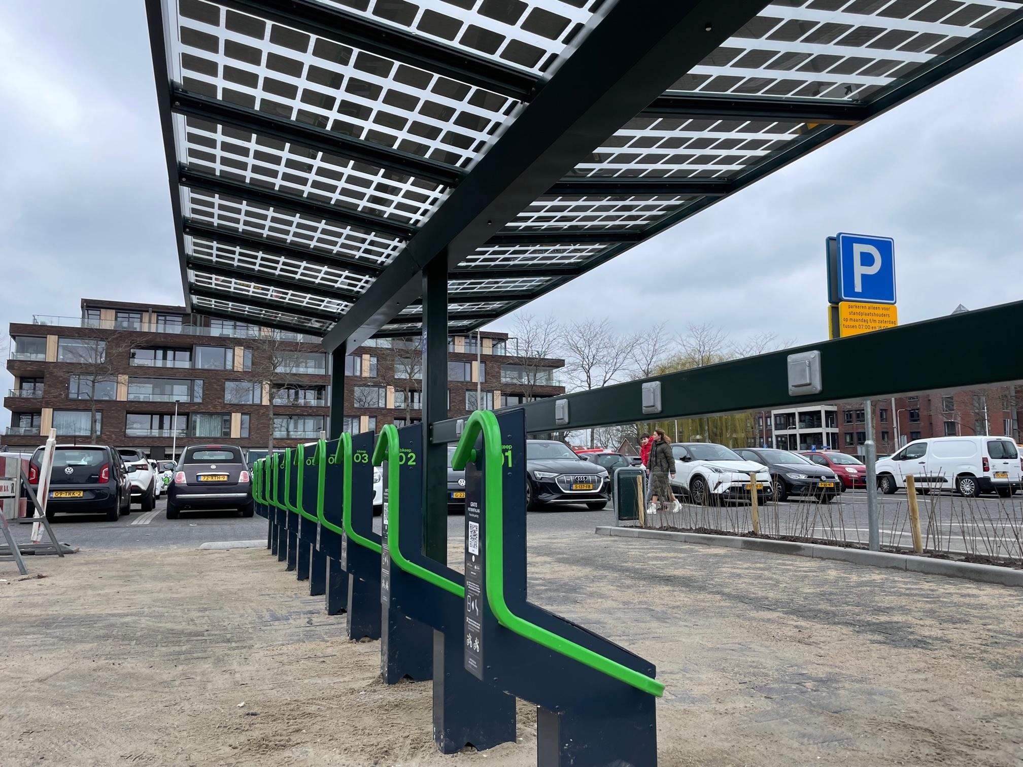 Solar fietsenstalling school